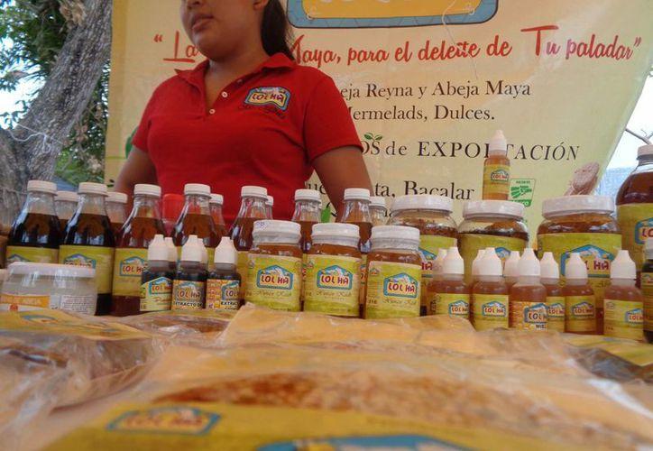 Estos productos llegan comercializarse a nivel nacional, con la ayuda de las redes sociales y blogs. (Ángel Castilla/SIPSE)