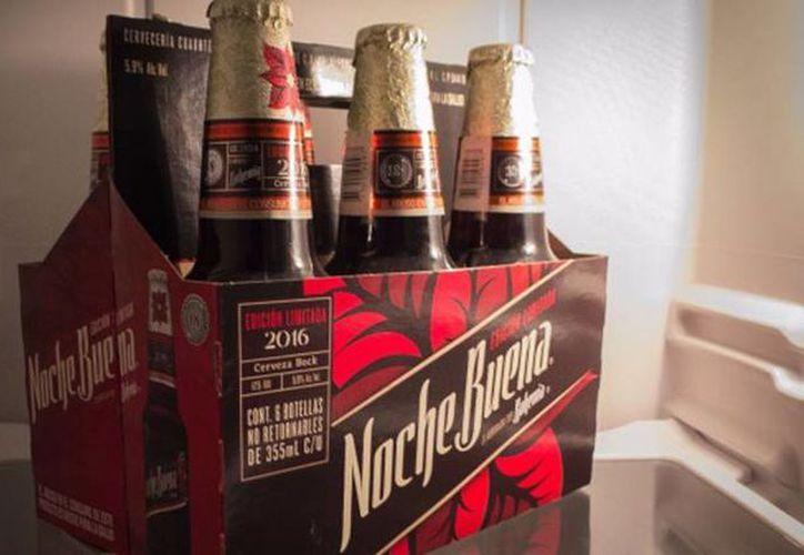 La cerveza Noche Buena  Es 100 % mexicana, pero pertenece a la categoría de cerveza Bock, que es completamente alemana. (Saúl Ruiz/elpais.com)
