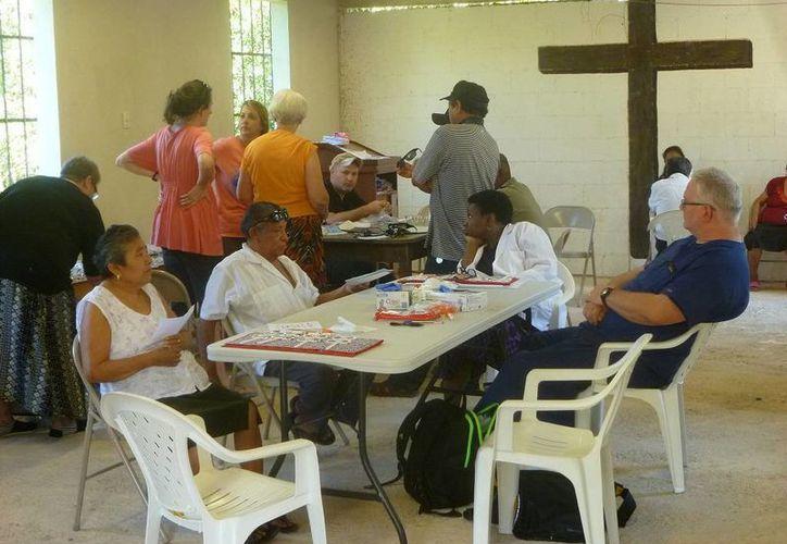 Las personas fueron atendidas en la iglesia Evangélica Bautista. (Raúl Balam/SIPSE)