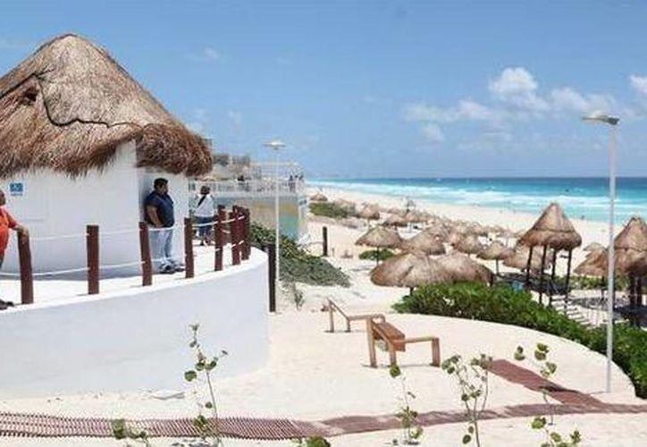 Siete playas del destino turístico cuentan con el servicio de baños. (Redacción/SIPSE)