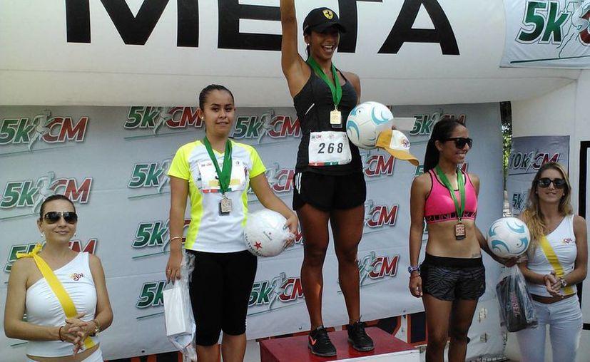 Participaron más de 300 competidores en la carrera. (Raúl Caballero/SIPSE)