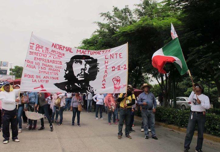 La sección 7 de la CNTE advirtió que si el gobierno federal no cumple retomarán sus protestas. (twitter.com/guillembaches)