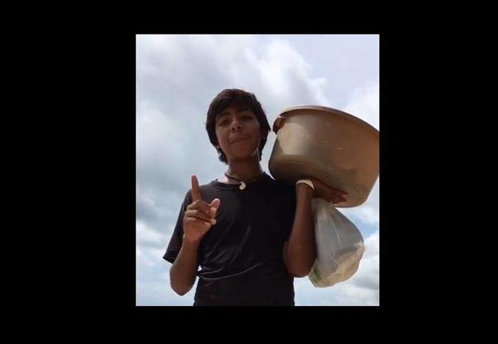 El video de Francisco tiene 10 millones de reproducciones. (Captura de pantalla facebook.com/oraquecosatv)