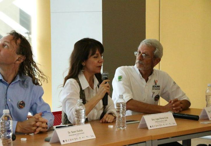 Ligia Pérez Cruz (c) es investigadora del área de Geomagnetismo y Exploración y actualmente es Jefa del Departamento de Geomagnetismo y Exploración Geofísica. (José Acosta/Milenio Novedades)