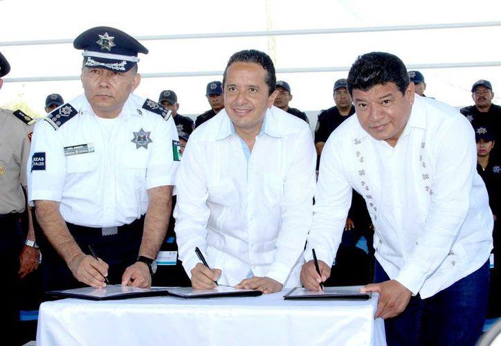 De los cuatro sectores, tres estarán en manos de la Policía Estatal Preventiva y uno a cargo de la Policía Municipal Preventiva, detalló el gobernador en su exposición en el marco de la firma del acuerdo.