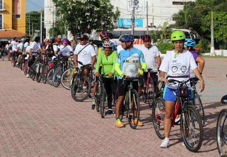 La Embajada Mexicana de la Bicicleta organizó una rodada en la ciudad. (Adrián Barreto/SIPSE)