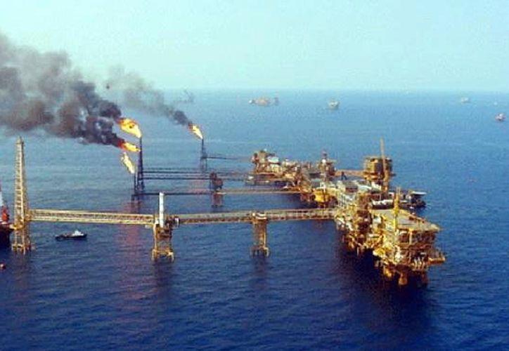 México pondrá a licitación la cuarta ronda de exploración petrolera. (Foto: Milenio Novedades)