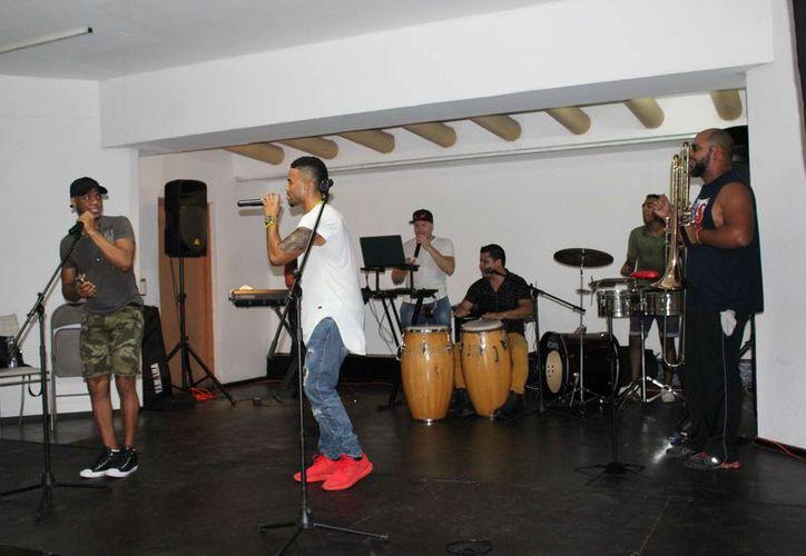 Se llevaron a cabo talleres, conferencias y presentaciones en vivo de grupos que tocan diferentes estilos musicales. (Redacción)