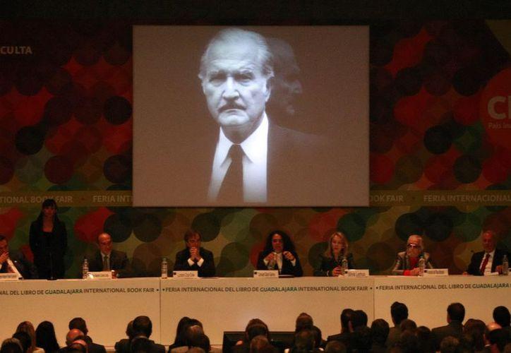 Expertos hicieron un recorrido de parte del gran legado que dejó Carlos Fuentes. (Notimex)