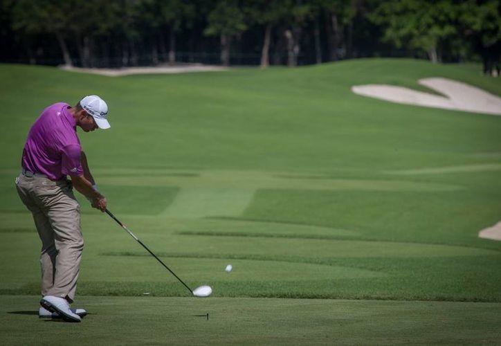 Los reconocidos y experimentados golfistas van por la atractiva bolsa económica. (Redacción)
