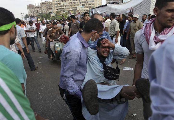 La violencia dejó en las últimas horas cientos de heridos. (Agencias)