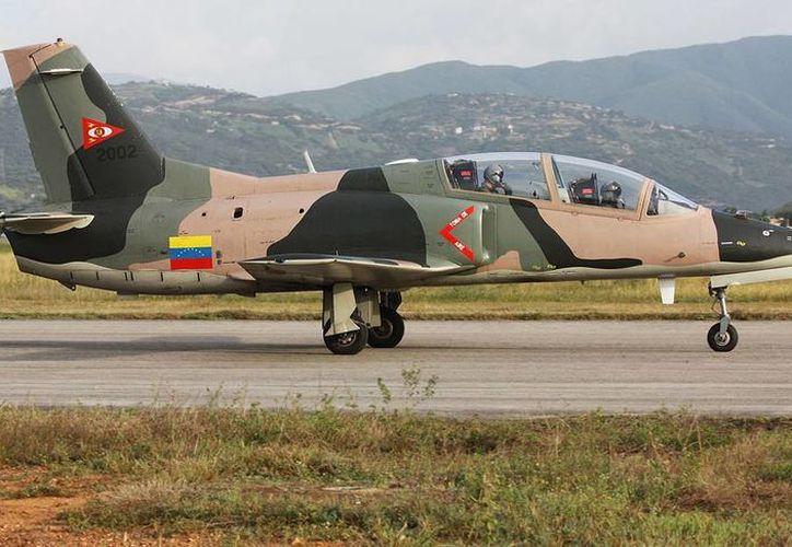 Los K8 son fabricados por la empresa aeronáutica Hongdu Aviation de China. (elaviadorsv.net)