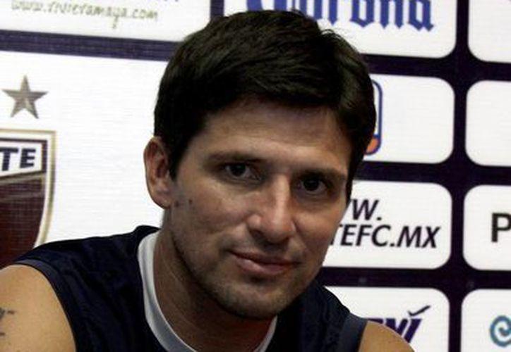 El técnico, Gabriel Pereyra, afirmo que, con la llegada de los refuerzos y la base del torneo pasado, lograrán ascender. (Redacción/SIPSE)