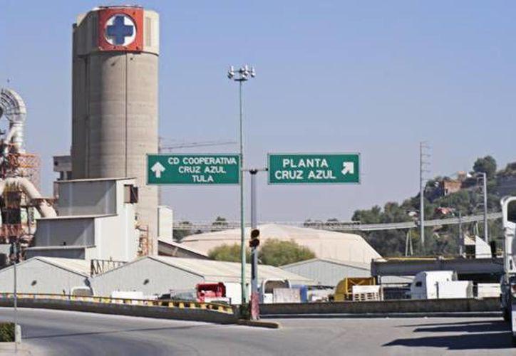 La cementera Cruz Azul no se ha pronunciado hasta el momento sobre la detención de Raúl Antonio Enríquez López, acusado por amenazas. (superlider.mx)