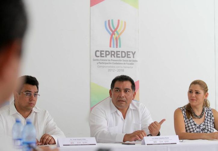 El secretario de Gobierno, Víctor Caballero Durán, inauguró la Segunda Reunión Regional Sur-Sureste 'Participación Ciudadana'. (SIPSE)