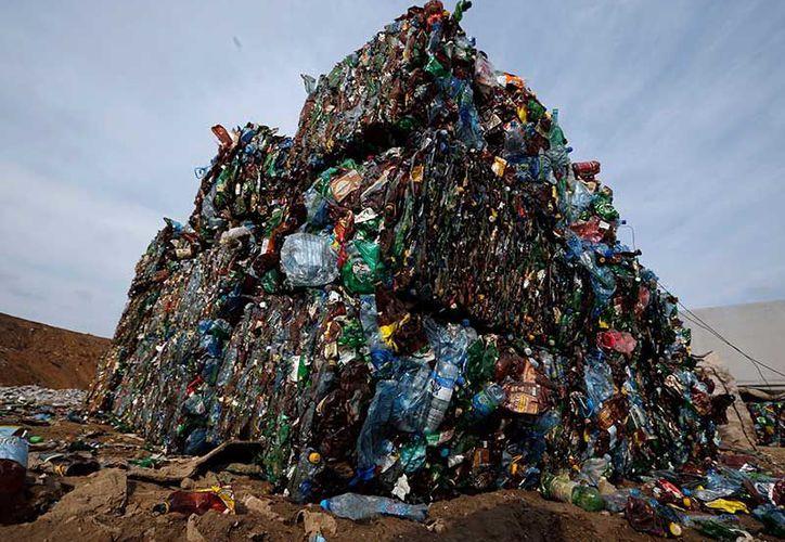 China produce la mayor cantidad de plástico, seguida de Europa y Norteamérica. (AP)