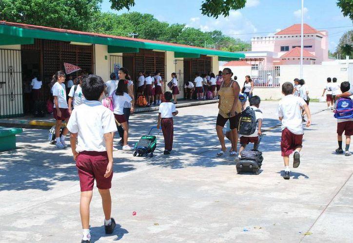 El Comité Estatal de Seguridad Escolar, hace lo pertinente para evitar que las escuelas, sean visitadas por delincuentes en vacaciones. (Harold Alcocer/SIPSE)