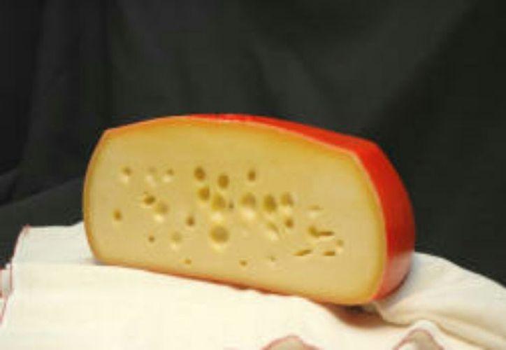Una compañía de Miami ha comenzado a retirar del mercado uno de sus quesos en los que se hallaron bacterias. (Contexto/Internet)