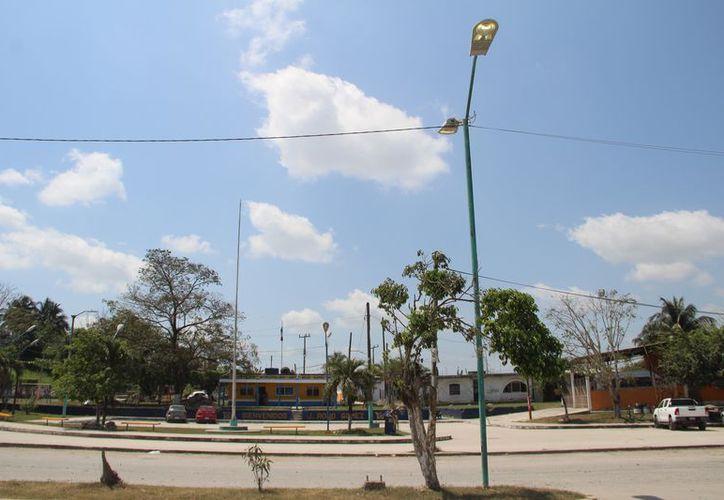 La falta de este servicio genera más inseguridad para los cerca de nueve mil habitantes. (Carlos Castillo/SIPSE)