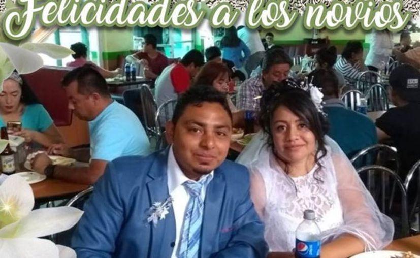 Brenda e Isaí decidieron celebrar su boda en una rosticería 'Pollo Feliz', ubicada en la calle 1 de Mayo, en Irapuato, Guanajuato. (Captura de pantalla)