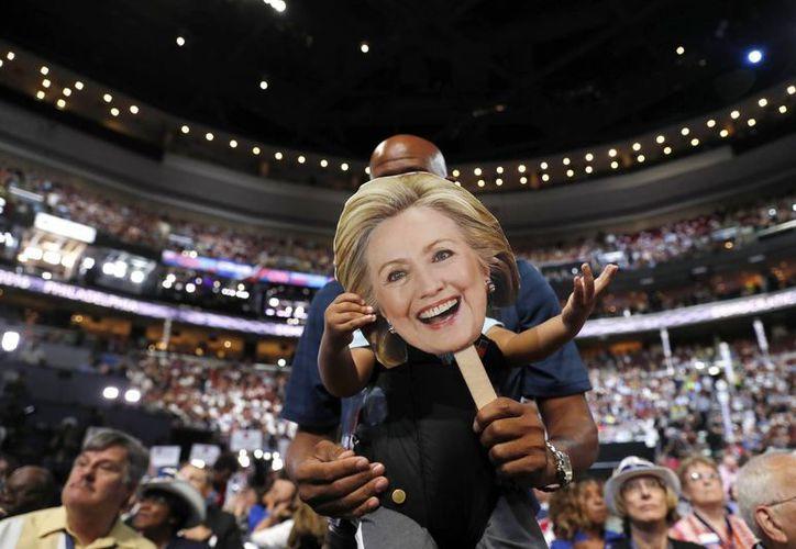 Hillary Clinton fue aclamada como candidata del partido demócrata para las elecciones de noviembre, donde se medirá contra Donald Trump. (AP)