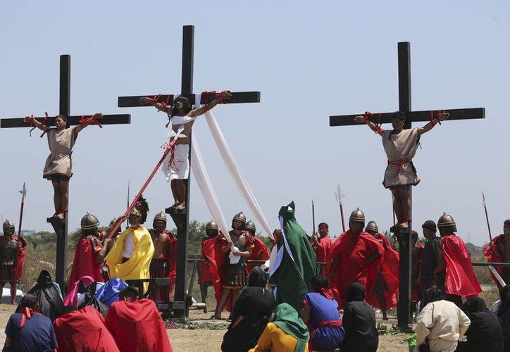 En Filipinas, donde la mayoría de la población es católica, se cree que los sacrificios extremos son una forma de expiar los pecados. (AP)