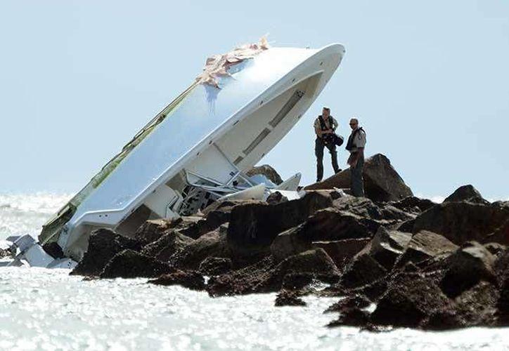 Estado en que rescatistas y bomberos encontraron la embarcación de José Fernandez en la costa de Florida. (AP/Joe Cavaretta)