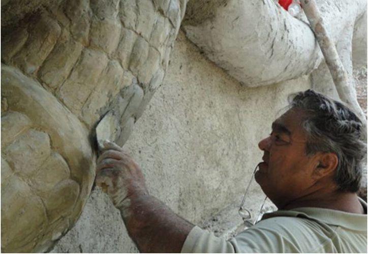 Luis Nuñez Erosa se caracterizó por innovar y reforzar la creación y permanencia de murales, esculturas y monumentos de la cultura maya precolombina. (Sergio Grosjean/SIPSE)