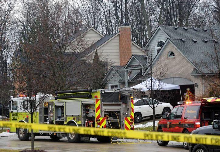 Cinco personas que trabajaban en un mismo restaurante en Detroit murieron al incendiarse el lugar. Aún se investiga la causa del siniestro. (AP)