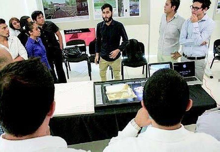El primer encuentro se realizó en la Universidad Anáhuac Cancún, y también participaron alumnos de las universidades del Sur, de Oriente, y Riviera. (Sergio Orozco/SIPSE)