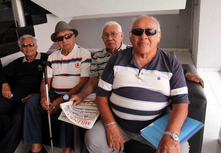 Ex trabajadores esperan en breve recibir el pago de su liquidación. (José Acosta/SIPSE)