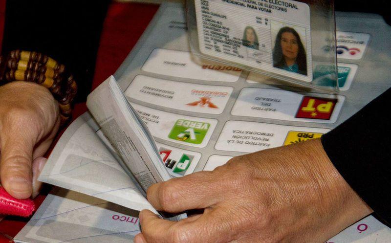 Avala INE protocolo para permitir voto de personas trans en 2018