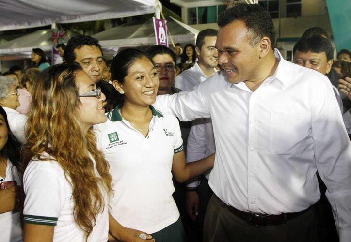 El gobernador Rolando Zapata Bello obtuvo altos niveles de respaldo ciudadano. (Milenio Novedades)