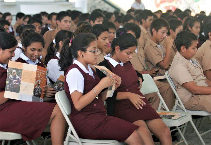 Para el ciclo escolar 2016-2017, en Quintana Roo se distribuyeron dos millones 167 mil 395 libros. (Foto: David de la Fuente/SIPSE)