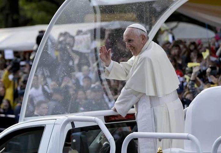 El Papa Francisco tendrá varios eventos con los creyentes mexicanos, entre estos destaca la celebrará misa en la Basílica de Guadalupe y una misa multitudinaria en Ecatepec. (Imágenes de AP)