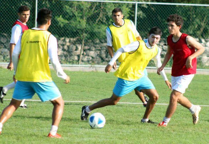 Venados del CF Mérida sólo han ganado tres puntos en lo que va del torneo de Liga de Ascenso MX. En la gráfica, durante un entrenamiento en Tamanché. (Milenio Novedades)