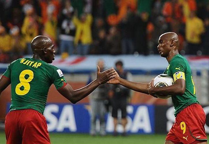 Volker Finke, entrenador de la selección de Camerún, decidió no poner de inicio a varias de sus estrellas. (mipronosticodeportivo.com)