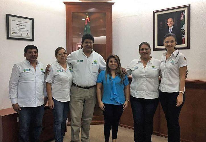 El director general del IEEA, sostuvo una reunión con la presidenta municipal de Tulum, Romalda Dzul Caamal. (Redacción/SIPSE).