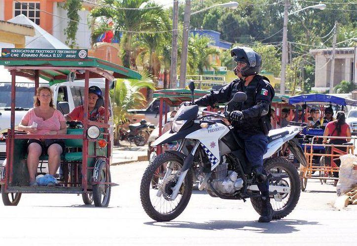 La entrada en funcionamiento del número de emergencia 911 ha permitido la respuesta inmediata de la policía municipal. (Redacción/SIPSE)