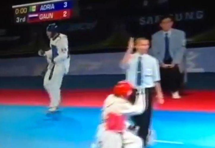 El mexicano superó en el tercer round a su similar de Rusia. (Foto: Internet)
