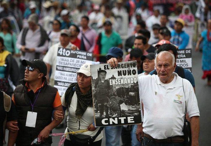 La Coordinadora Nacional de Trabajadores de la Educación marchará este sábado de Los Pinos hacia el Zócalo de la Ciudad de México. Imagen de contexto. (Alfredo Domínguez/jornada.unam.mx)