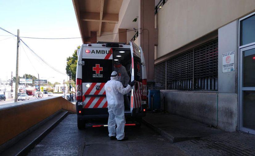 La Cruz Roja ha realizado traslados de casos sospechosos de pacientes con Covid-19. (Novedades Yucatán)