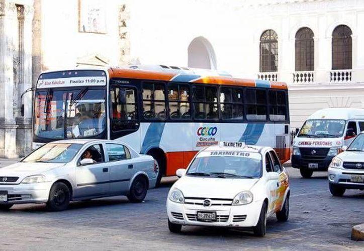 Los cambios de paraderos para rutas del Poniente, del día 25 al 30 de julio, se deben a obras públicas en el Centro Histórico de Mérida. (Foto de contexto de Milenio Novedades)