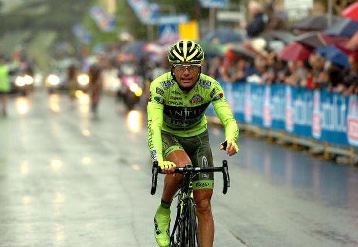 Danilo Di Luca no sólo quedó fuera definitivamente del ciclismo profesional, sino que deberá pagar una multa de 50 mil dólares. (cyclingnews.com)