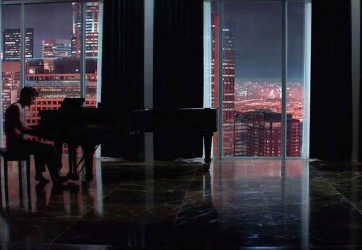 El filme '50 shades of Grey', estrenada ya a nivel mundial, ha tenido tal acogida en México que ya ha comenzado a romper récords. (pursuitist.com)