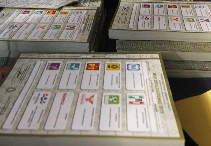 Funcionarios del INE aseguran que los crayones que marcarán las boletas electorales el próximo domingo no se puede borrar ni manchar. (Archivo/Notimex)