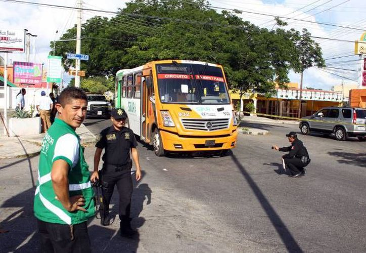 El chofer es acusado de atropellar a un hombre de la tercera edad en Pensiones. (Jorge Pallota/SIPSE)