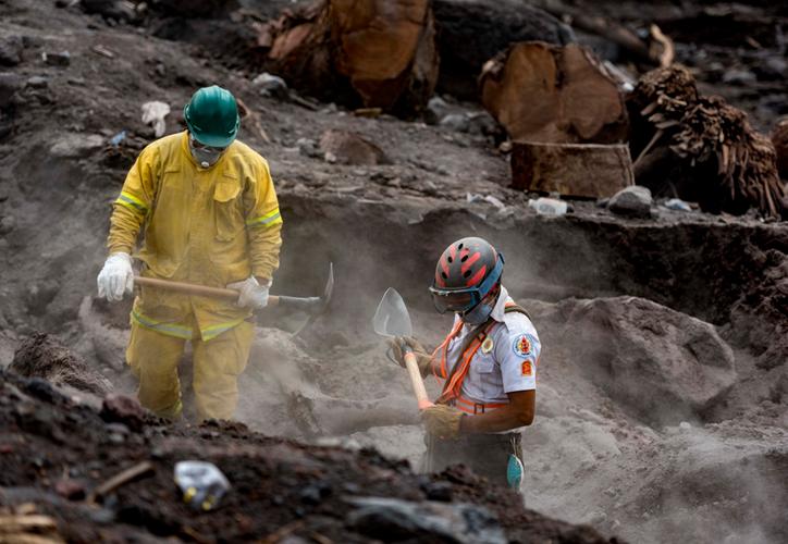 La erupción dejó al menos 112 muertos, casi 200 desaparecidos, más de 50 heridos y dos millones de damnificados. (Internet)