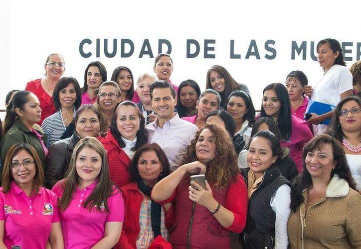 Enrique Peña Nieto inauguró las instalaciones de la Ciudad de las Mujeres en Tepeji del Río, en el estado de Hidalgo. (Presidencia)