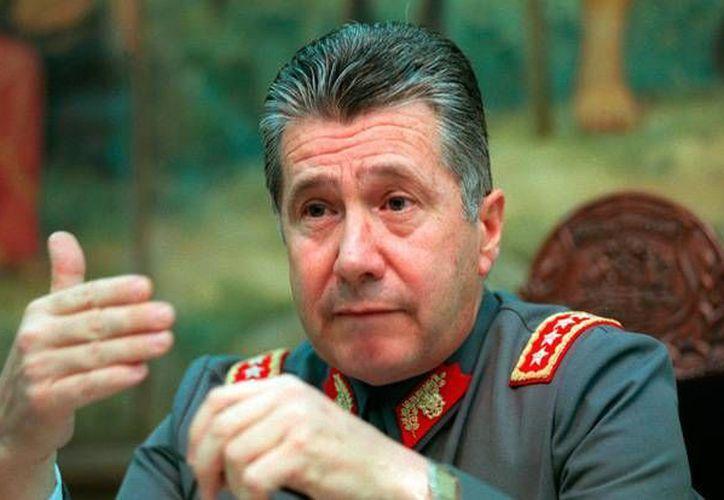 Ricardo Izurieta Caffarena asumió el mando del Ejército de Chile tras el dictador Augusto Pinochet; murió por cáncer a los 71 años de edad en Santiago. (lacuarta.com)